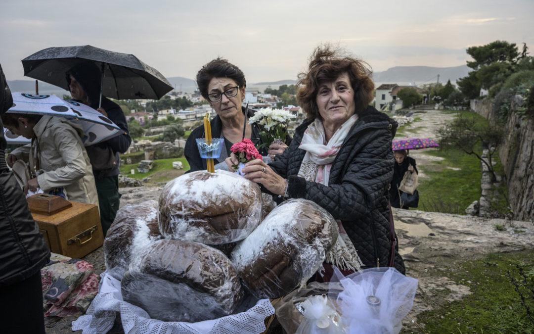 Η Παναγία Μεσοσπορίτισσα στην Ελευσίνα: Ένα έθιμο που έρχεται από την αρχαιότητα